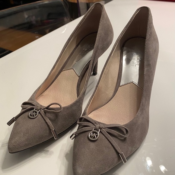 Micheal Kors Grey Suede Shoes